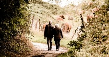 Couple de seniors site de rencontre haut de gamme.